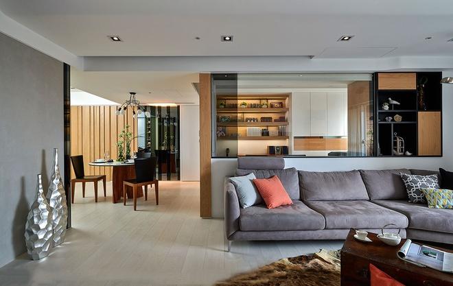客厅图片来自家装大管家在光感加分 超有味132平老宅的分享