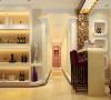 过道:过道的艺术造型与客厅完美衔接,使整个空间充满延伸感