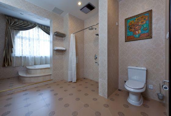 别墅 卫生间图片来自博览天下在龙湖花盛香醍-348平米欧式风格的分享