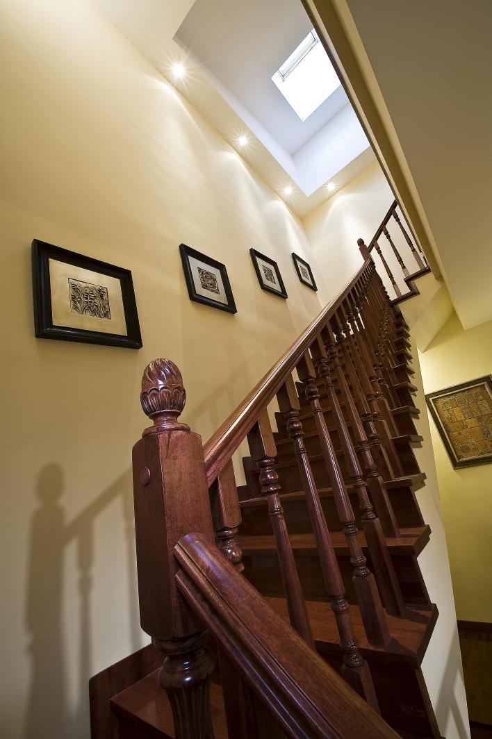 别墅 楼梯图片来自博览天下在龙湖滟澜山-320平米新古典风格的分享