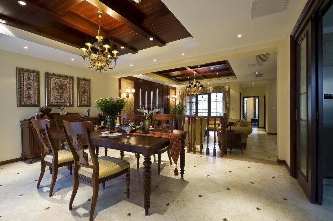 别墅 餐厅图片来自博览天下在龙湖滟澜山-320平米新古典风格的分享