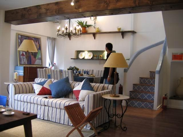 地中海 复式 装修设计 客厅图片来自阿拉奇设计在江南家园_地中海家庭装修的分享