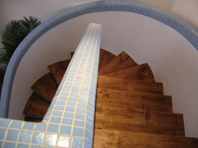 地中海 复式 装修设计 楼梯图片来自阿拉奇设计在江南家园_地中海家庭装修的分享