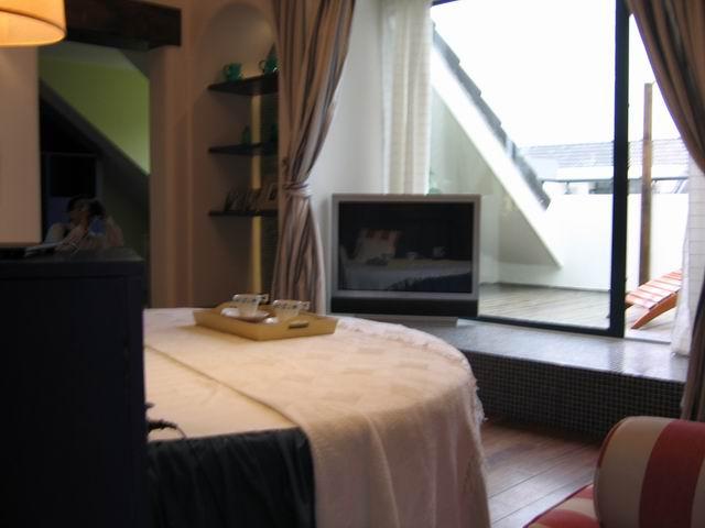 地中海 复式 装修设计 卧室图片来自阿拉奇设计在江南家园_地中海家庭装修的分享