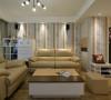 电视柜、橱柜茶几和小家具都选用黄+白为主色,优雅清淡,属于百看不腻的色系