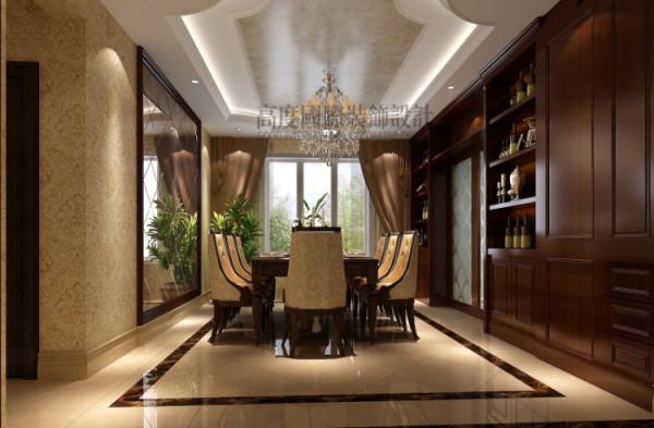 餐厅墙面选用镜面的处理,因为与客厅相比,餐 厅的净宽要小,这样使空间拓宽了许多,而且在风水上来说是一式两份的意思,有丰衣 足食的寓意。