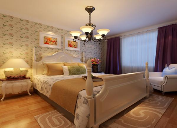 设计理念:背景墙有装饰画的点缀,带有小碎花壁纸和床品的搭配,带有古典气息的吊灯,共演美妙光影之舞。