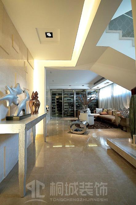 简约 现代 奢华 玄关图片来自小兵无敌在金地荔湖城B型别墅现代奢华风格的分享