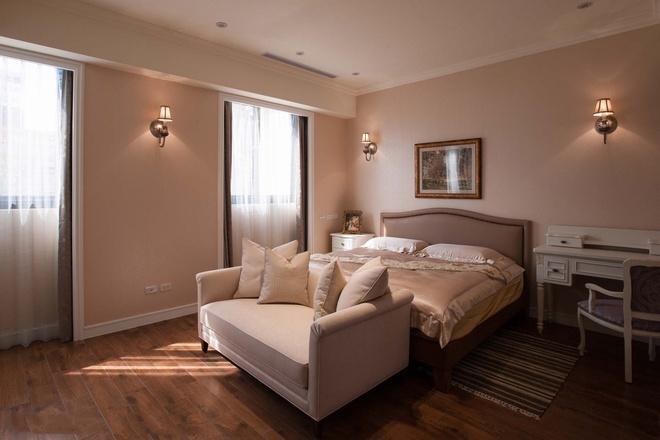 卧室图片来自家装大管家在297平童话世界般乡村田园别墅的分享