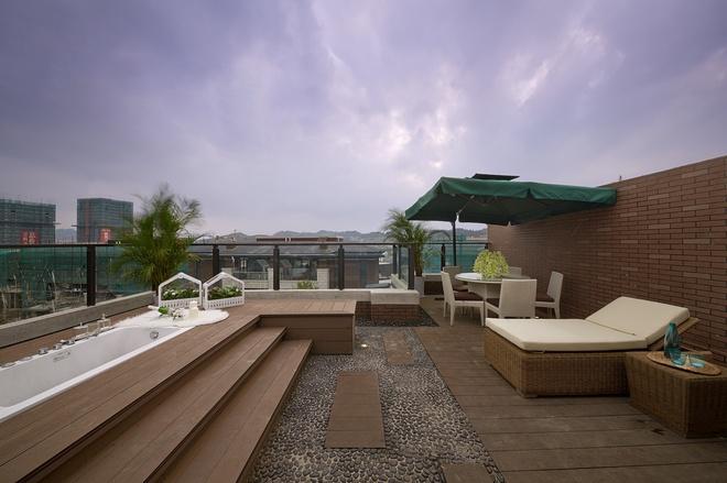 阳台图片来自家装大管家在温暖自在空间 346平现代简约别墅的分享
