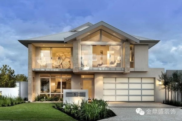 【别墅外观装修效果图】现代简约的设计,不乏温馨动人的氛围。那透明的玻璃窗掩不住暖黄色的灯光,暖色系的渲染,总能触动心底最柔软的一部分,那才是属于家的感觉。