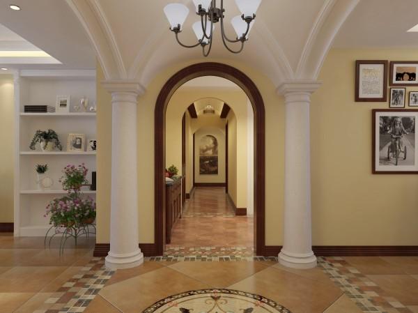 门厅罗马柱、拼花地砖、暖黄色墙面,传递出大美风情,可见设计师设计到位,业主品味之高。最喜欢地面的拼花了,设计师挑选的材料精美,工人师傅的手艺精湛。