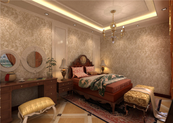 放眼整个卧室,金色刺花壁纸、红木色的家私、水晶吊灯、圆形镜子等等,传递着主人的奢华品味跟尊贵身份。