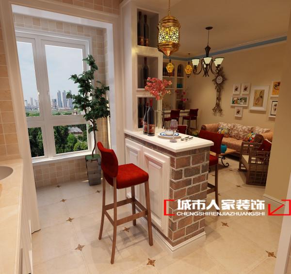 厨房的设计简单清爽,房子的本身不具备餐厅,设计师将小吧台设计为二合一功能的吧台既是一个袖珍型充满格调的小餐厅,又是一个富有新意的小吧台。