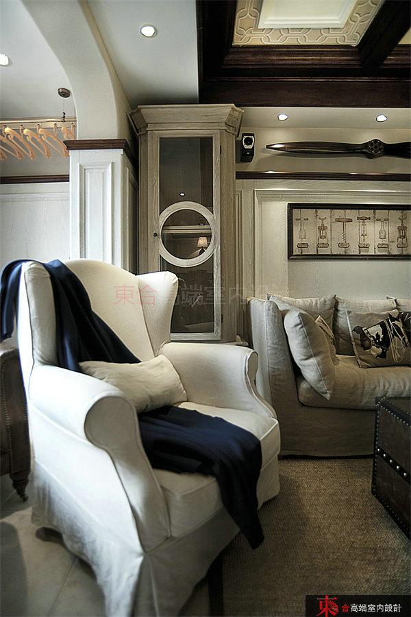 客厅图片来自東合設計在时光。收藏。家的分享