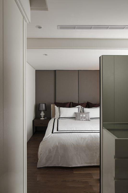 简约 三居 阿拉奇设计 家庭装修 宜家 卧室图片来自阿拉奇设计在现代简约家庭装修的分享