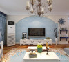 电视墙也做了拱形门懂得处理,附以米黄色乳胶漆和浅蓝色暗花壁纸,清新典雅