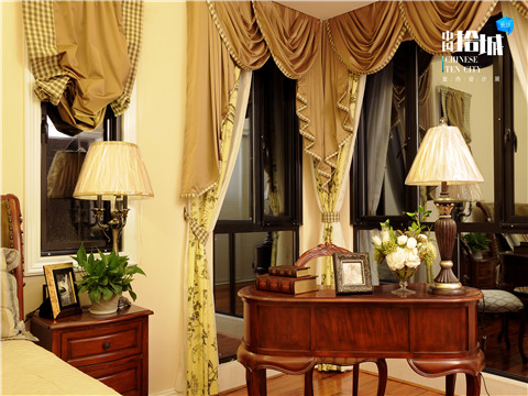 美式 混搭 三居 白领 客厅图片来自湖南美迪装饰在美村的分享