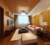 此户型为御玺园高层标准层户型2室2厅1卫1厨 ,建筑面积是93㎡ ,该户型的设计风格为中式风格。整个空间以暖色调为主,暖色的光源给空间营造了温馨舒适的感觉。