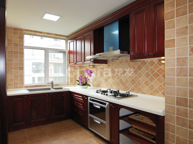 简约 欧式 混搭 三居 别墅 白领 收纳 80后 小资 厨房图片来自西安龙发装饰在天赐颐府-现代简约风格的分享