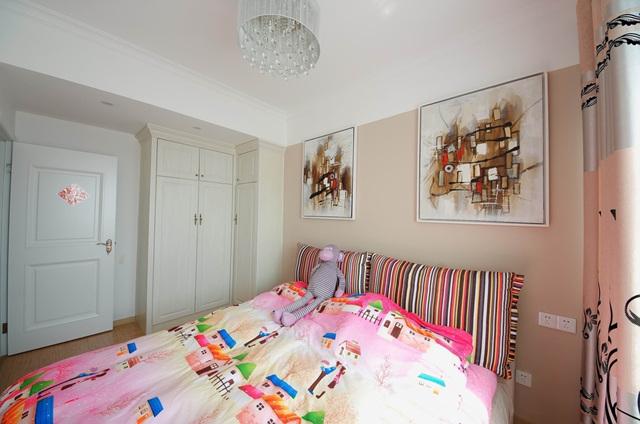 创艺装饰 西安家装 装修公司 三居 口碑好 简约 现代 卧室图片来自西安宅速美装饰在简约三室婚房的分享
