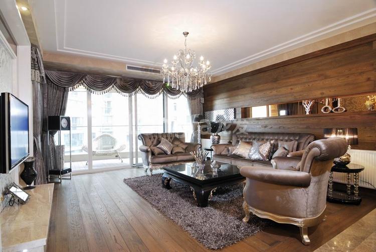 简约 欧式 三居 别墅 白领 收纳 80后 小资 客厅图片来自西安龙发装饰在个性时尚之美,现代完美三居室的分享