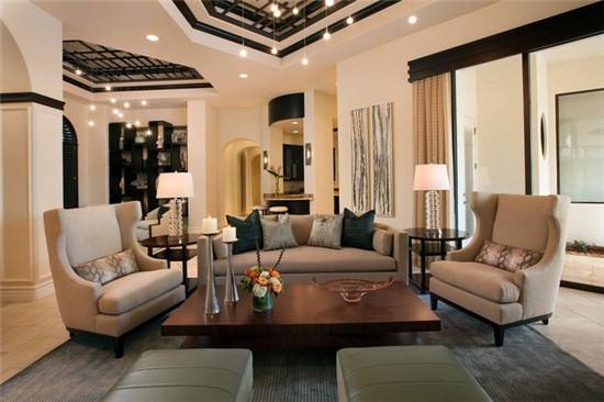 客厅图片来自石俊全在北京新天地的分享