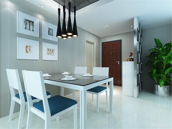 客餐厅地面采用米黄色800*800地砖正铺,既达到健康舒适又达到了绿色环保。主卧,次卧的地面采用深色系木地板,给人一种干净舒适的感觉。