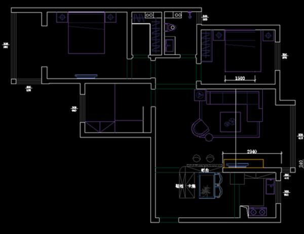 本案为三室两厅户型,房子的布局比较合理,除了主卧带有阳台能够充分的享受阳光外,其他的空间的采光不是特别的理想,主卧的卫生间改造成了衣帽间,方便主人家各季度衣物的存储。