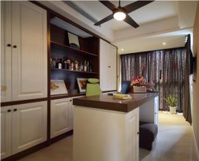 简约 美式 三居 温馨 舒适 书房图片来自成都生活家装饰在90㎡简约美式风格三居室的分享