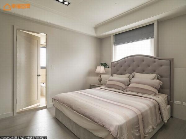 床头板恰到好处的存在度,不但让视觉有了重心,也改善床头设于窗台面的不安全感。