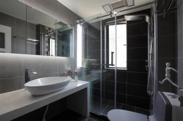 现代风格在家具配置上,白亮光系列家具,独特的光泽使家具倍感时尚,具有舒适与美观并存的享受。在配饰上,延续了黑白灰的主色调,以简洁的造型、完美的细节,营造出时尚前卫的感觉。