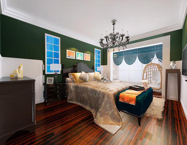 遵循主题风格,提升卧室功能性。与客厅的色彩万群不同的卧室,反复将人带进了美丽的草原,家具的选择使整个卧室成为了舒适温馨的场所。