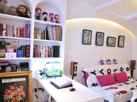 客厅 本方案设计以简洁和实用为主,在小空间设计各种功能布局,让每块空间得到最大化合理利用,整个空间简洁明亮,在视觉上给人舒适的体验