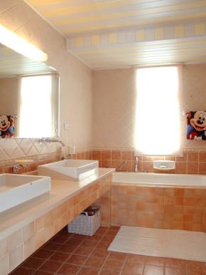 简约 地中海 温馨 舒适 卫生间图片来自成都生活家装饰在123㎡温馨地中海风格三居室的分享
