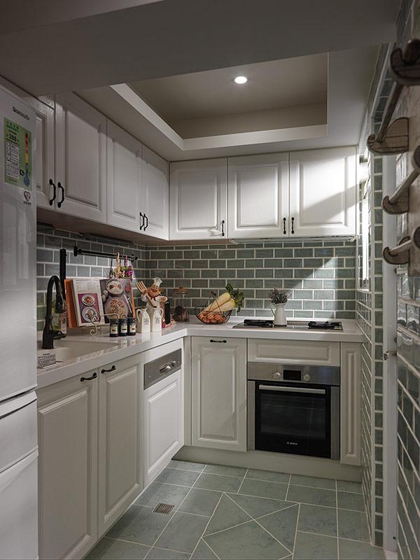 简约 地中海 温馨 舒适 厨房图片来自成都生活家装饰在123㎡温馨地中海风格三居室的分享
