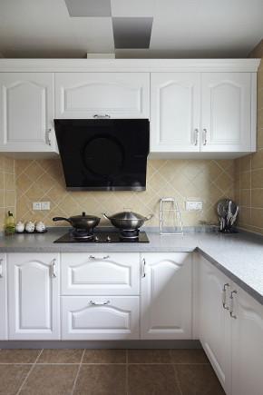 简约 欧式 三居 白领 80后 温馨 厨房图片来自孙进进在140平简欧温馨时尚公寓的分享
