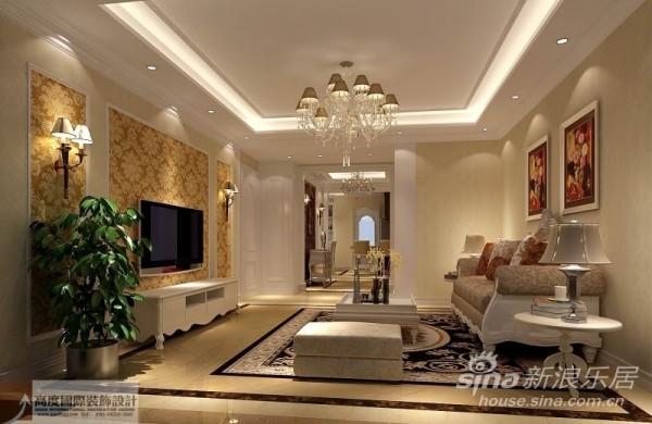 时尚的米白色调沙发与电视背景墙的呼应让整个客厅营造出时尚、高贵、轻松、愉悦的视觉感空间营造出一个朴实之中的时尚简欧家