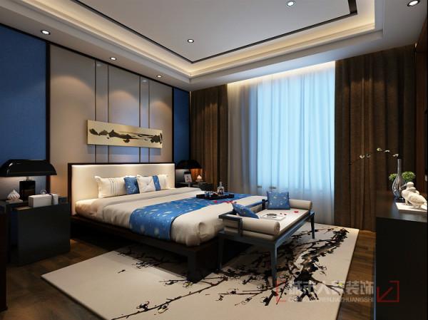 卧室在功能与形式的完美统一,优雅独特,简洁明快,时尚而不浮躁庄重典雅而不乏轻松浪漫的感觉,地面深色木地板的应运,给人一种沉稳的感觉,简洁的直线吊顶配以暖色系人造灯光营造出舒适典雅的视觉感受。