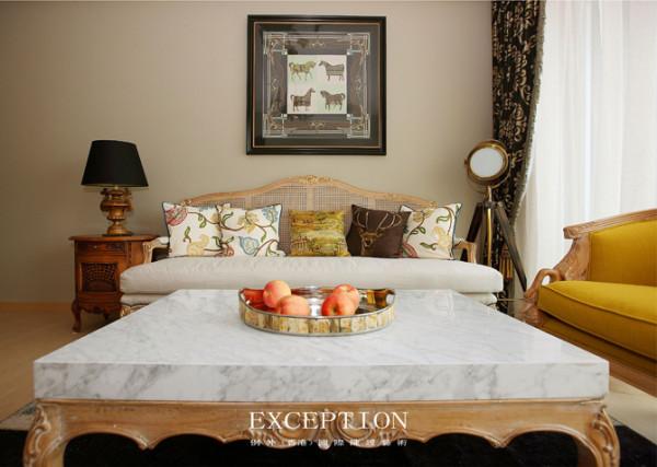 客厅  一方轻柔曼妙的丝巾,装裱成画,暖暖灯下,散逸着浪漫的情调,流露出爱马仕的悠悠韵味。闲暇时间,邀三五知己,汇聚沙龙,彼此志趣相投,畅所欲言,轻松随意。