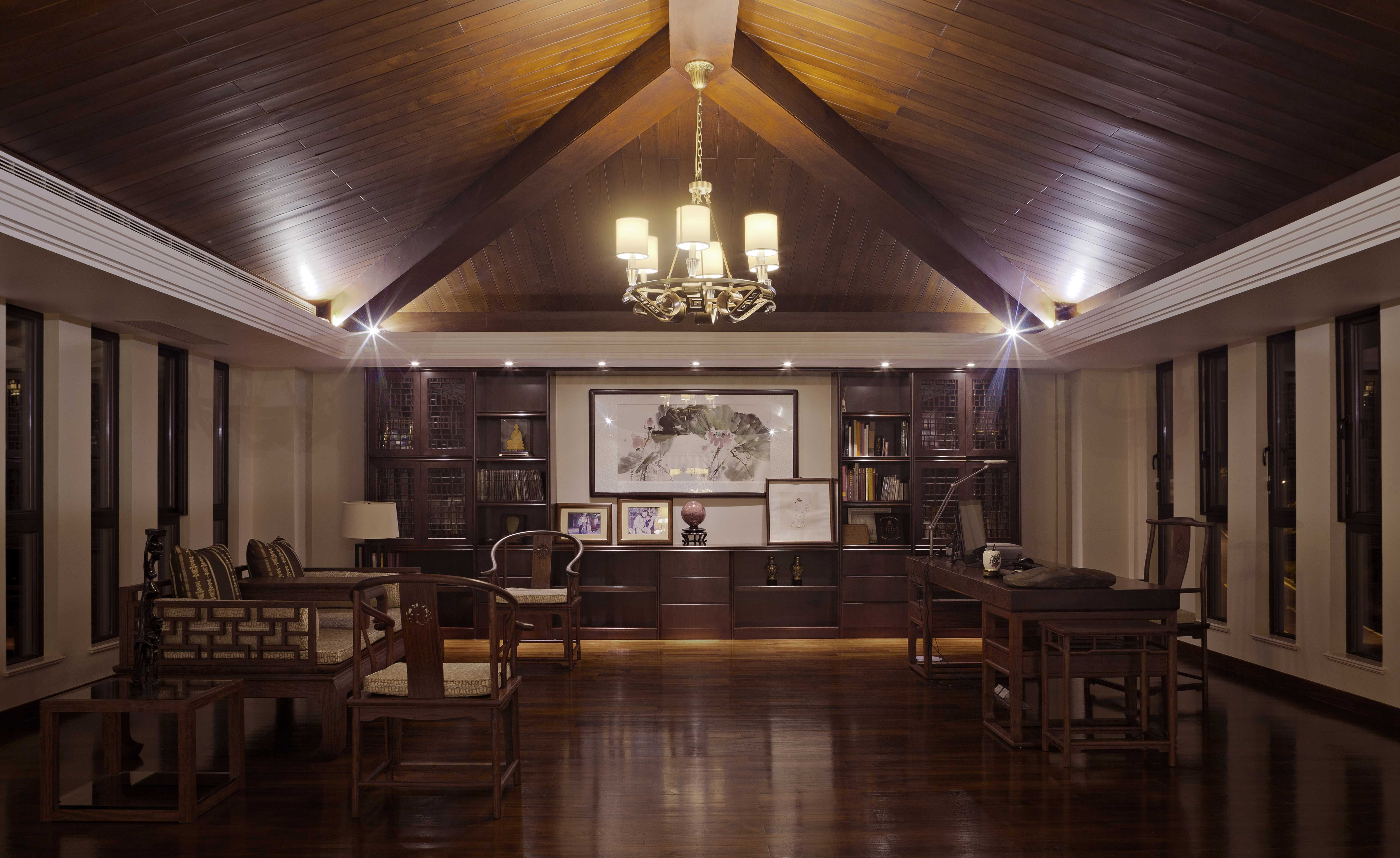 客厅图片来自陈卫群在陈卫群作品南湖高尔夫别墅的分享