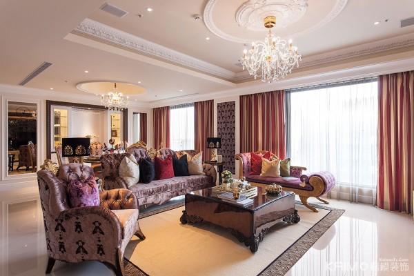 客厅的整体布局很有设计感