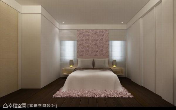 位于采光侧的床头,以壁布划出主墙位置,保留两侧开窗可利用纱帘调节光源。
