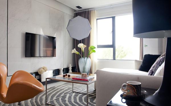 后现代大量运用铁制 构件,将玻璃、瓷砖等新工艺,以及铁艺成品、陶艺成品等综合运用于室内。留意室表里沟通,极力给室内装饰艺术引进新意