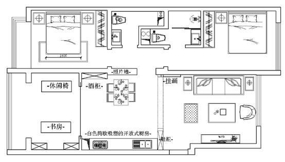 本案为三室两厅户型,房子整体的采光和通风度还不错,两个卧室各有一个卫生间,对日常生活也比较方便,厨房在书房和客厅中间,会影响到主人的日常生活,客厅面积比较狭小,而且没有阳台,采光和通风不是很好。