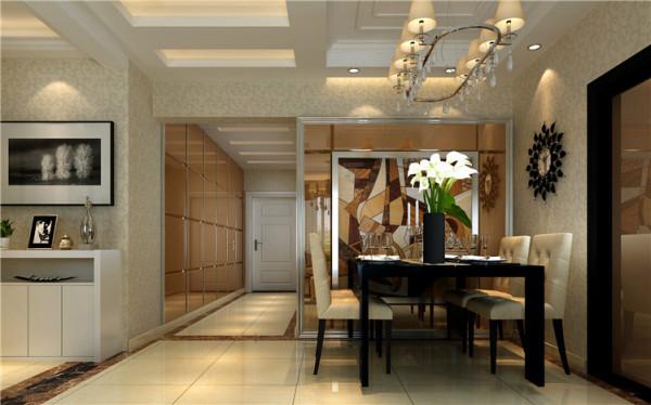 使得客餐厅整体氛围十分温馨,沙发后墙面大面积的山水油画,也满足了此处的风水要求。