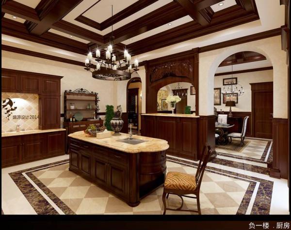 厨房全采用深色实木橱柜打造