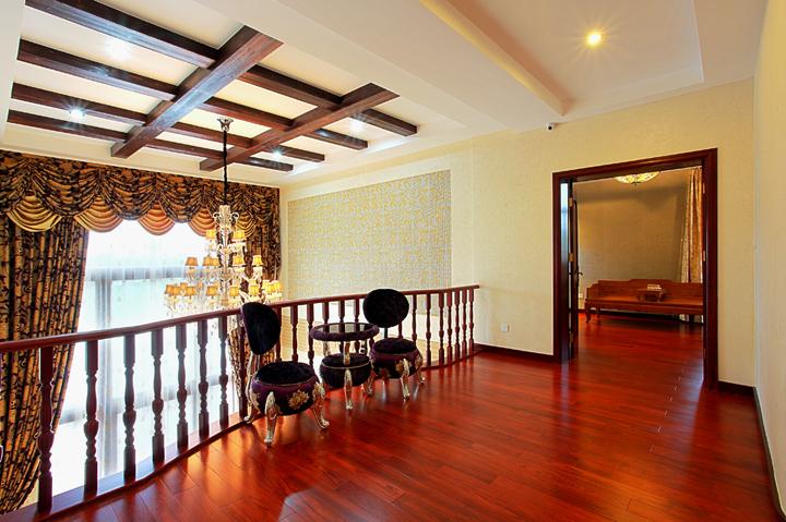 田园 别墅 别墅装修 别墅设计 聚通装璜 腾龙设计 客厅图片来自jtong0002在沪上避暑如意居——棕榈高尔夫的分享