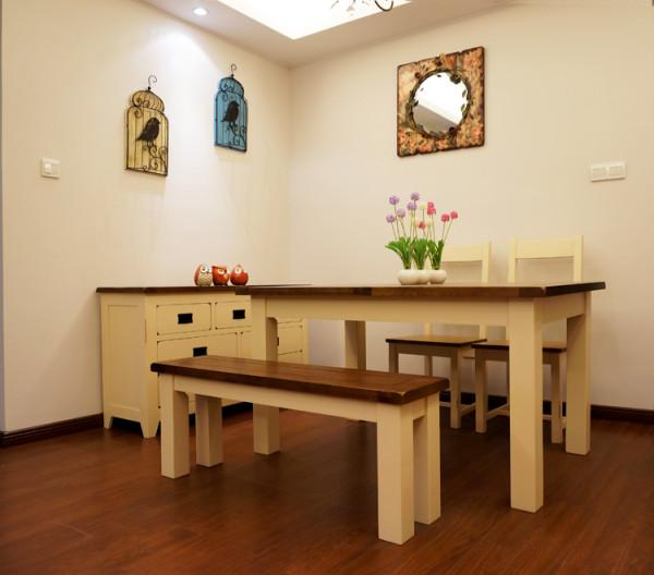 餐桌实景图