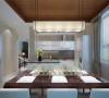 把原有厨房和卫生间互换做成开放式,并把不可移动的柱子也用原木色瓷砖装饰,在柱子的另一侧做了一组橱柜,既增加了使用率又很整体,整个原木色的瓷砖做为厨房背景不同以往厨房色调,营造出高贵优雅的气质